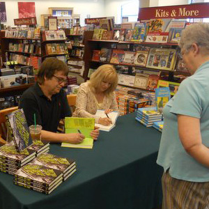 Barnes and Noble Davenport Signing 2012
